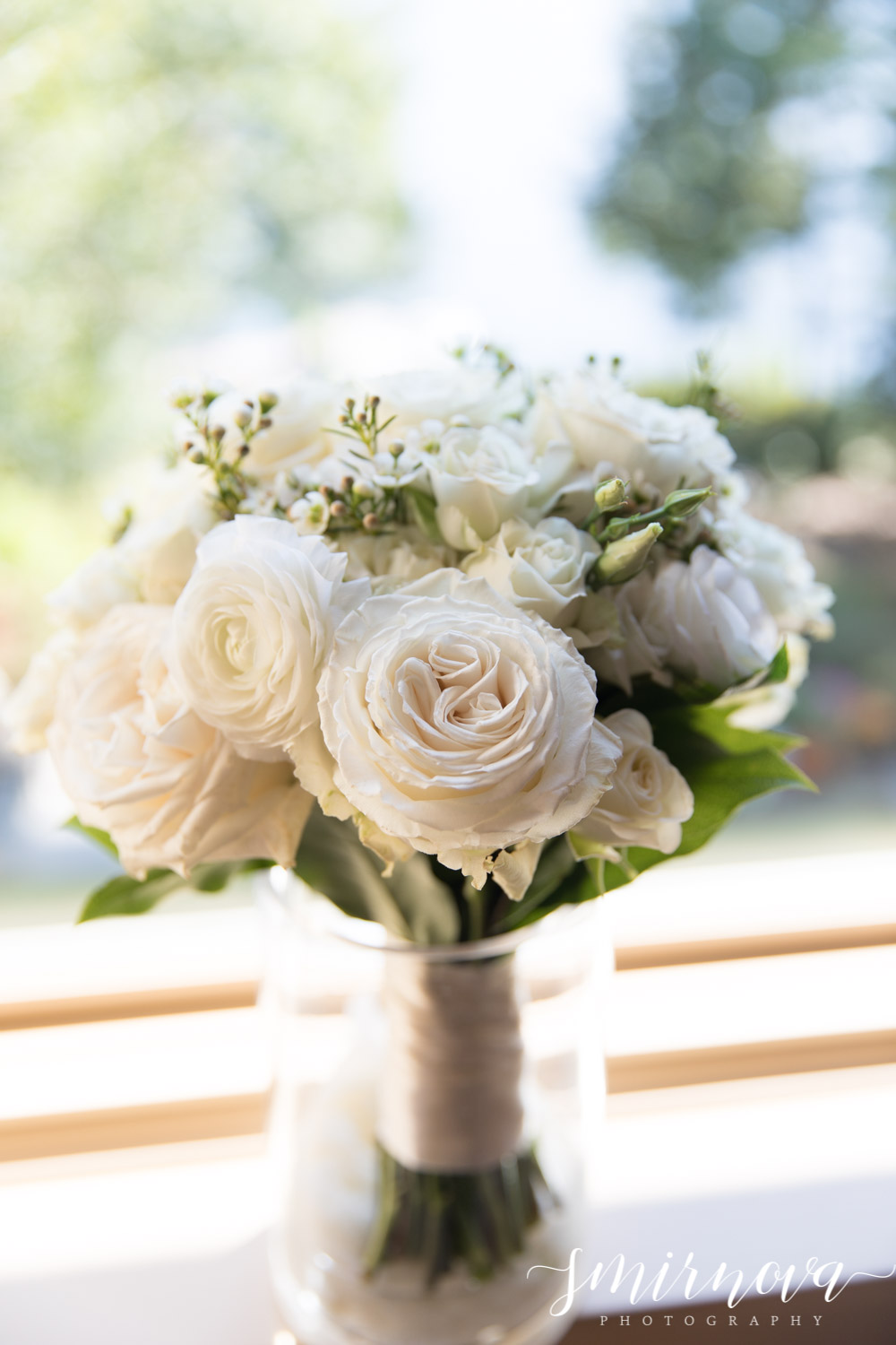 wedding bouquet Smirnova Photography by Alyssa