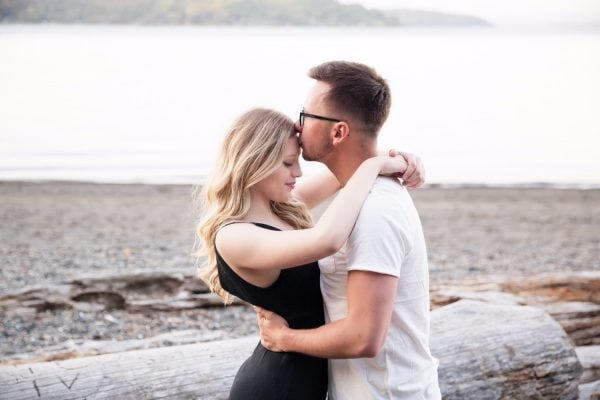 romantic beach engagement Smirnova Photography by Alyssa