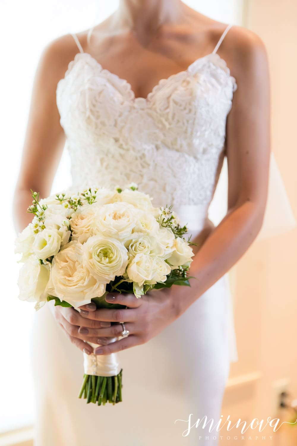 white wedding bouquet Smirnova Photography by Alyssa