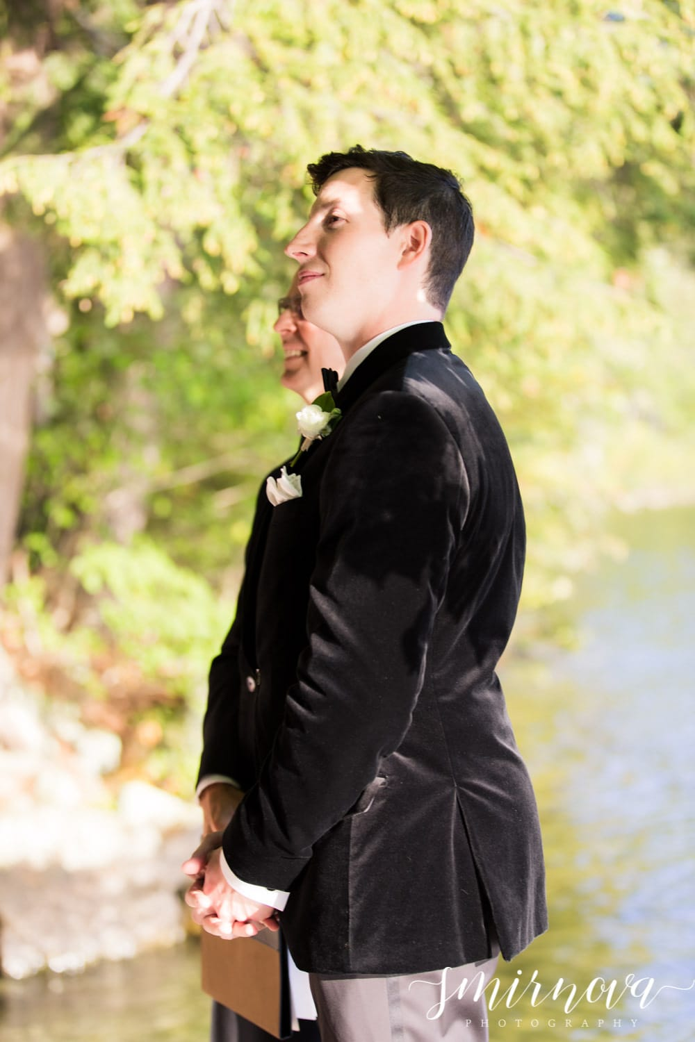 groom waiting fro bride Smirnova Photography by Alyssa