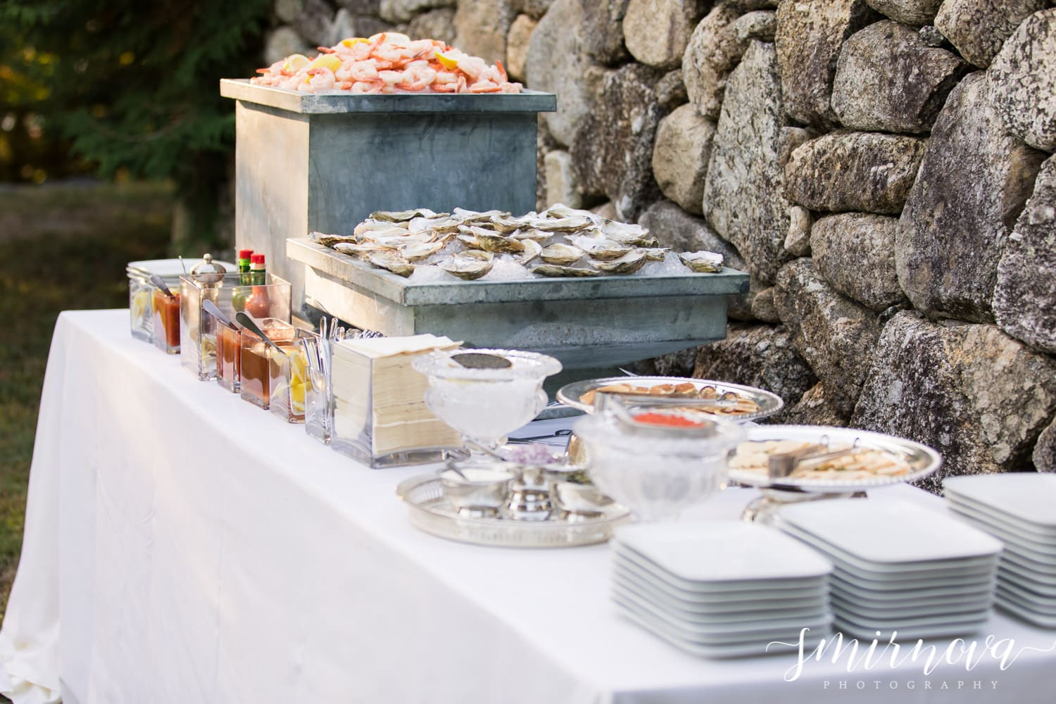 wedding oyster bar Smirnova Photography by Alyssa