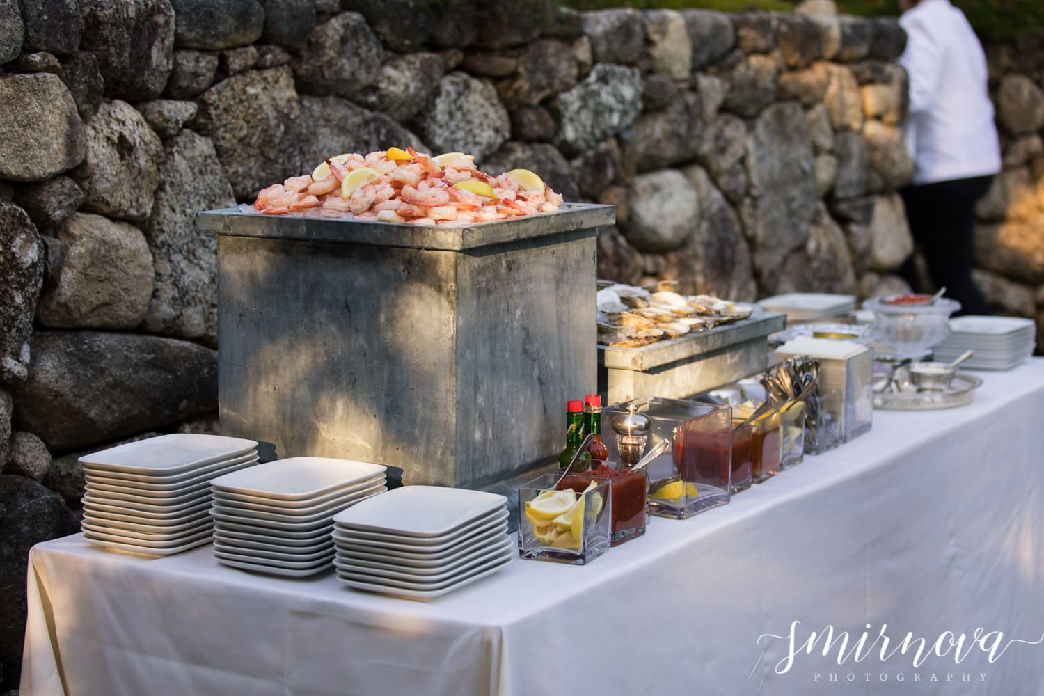 wedding seafood bar Smirnova Photography by Alyssa