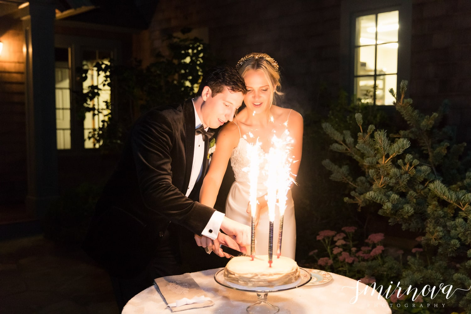 sparkler wedding cake Smirnova Photography by Alyssa
