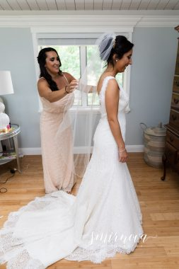 bride getting ready Smirnova Photography